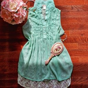Band of Gypsies | Sleeveless Lace Blouse | Aqua